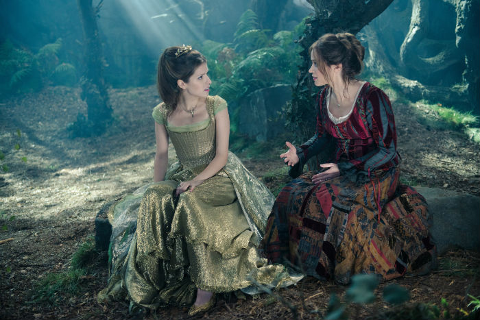 Anna Kendrick y Emily Blunt, en 'Into the woods'
