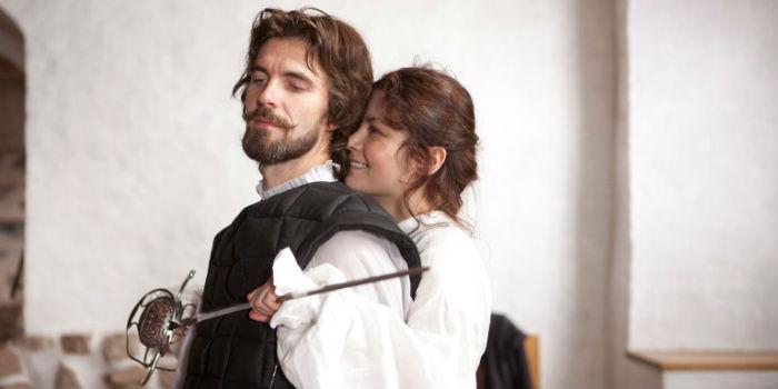 Lucas Bryant y Malin Buska, en 'The Girl King' (Reina Cristina)