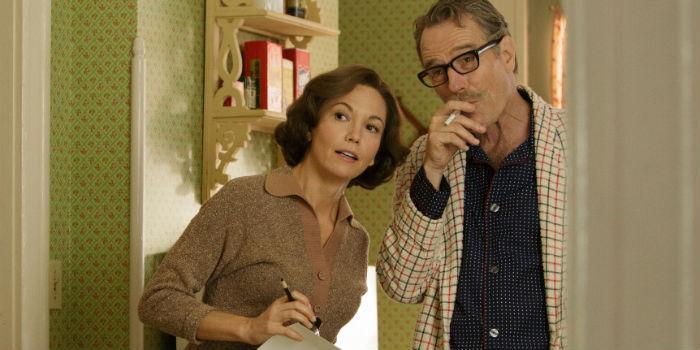 Diane Lane y Bryan Cranston, en 'Trumbo: La lista negra de Hollywood'