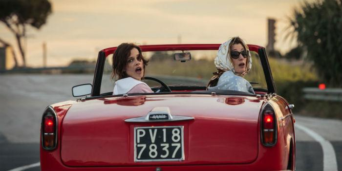 Micaela Ramazzotti y Valeria Bruni Tedeschi, en 'La pazza gioia' (Locas de alegría), en Histerias de Cine