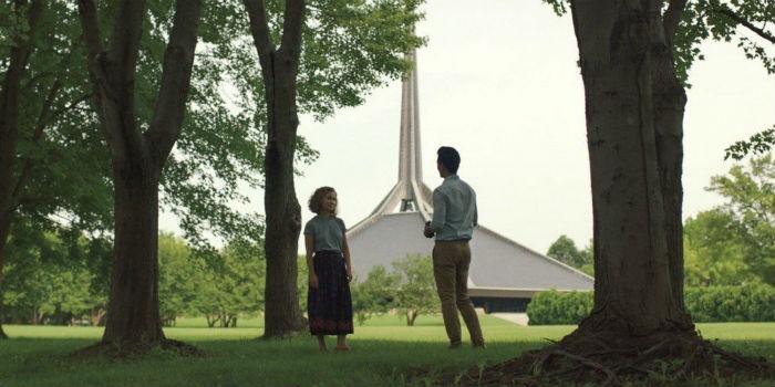 Haley Lu Richardson y John Cho, en 'Columbus', en Histerias de Cine