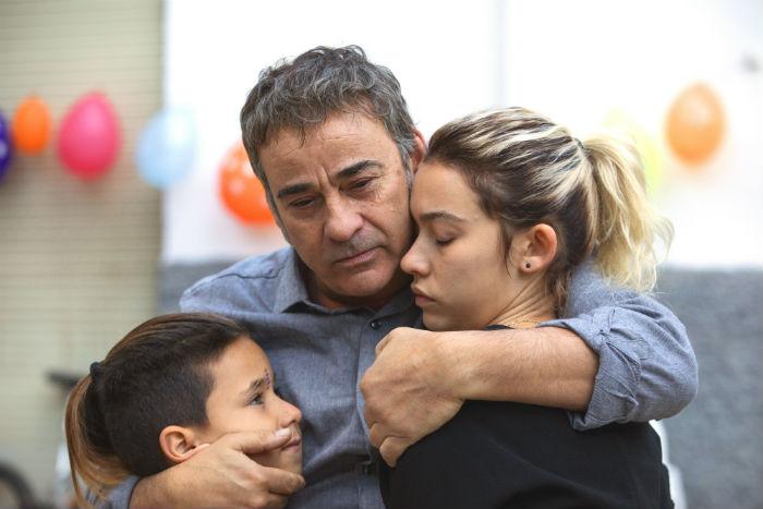 Eduard Fernández y Greta Fernández, en 'La hija de un ladrón', en Histerias de Cine